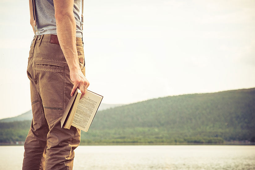 College Reading List: 5 Books That Inspire Travel
