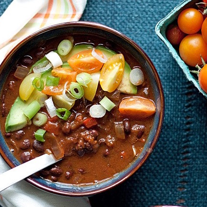 slow-cooker-vegetarian-black-bean-pumpkin-chili-kitchen-treaty easy pumpkin recipes