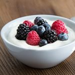 Greek Yogurt with Fresh Berries - Healthy Study Snacks on the Textbooks.com Blog